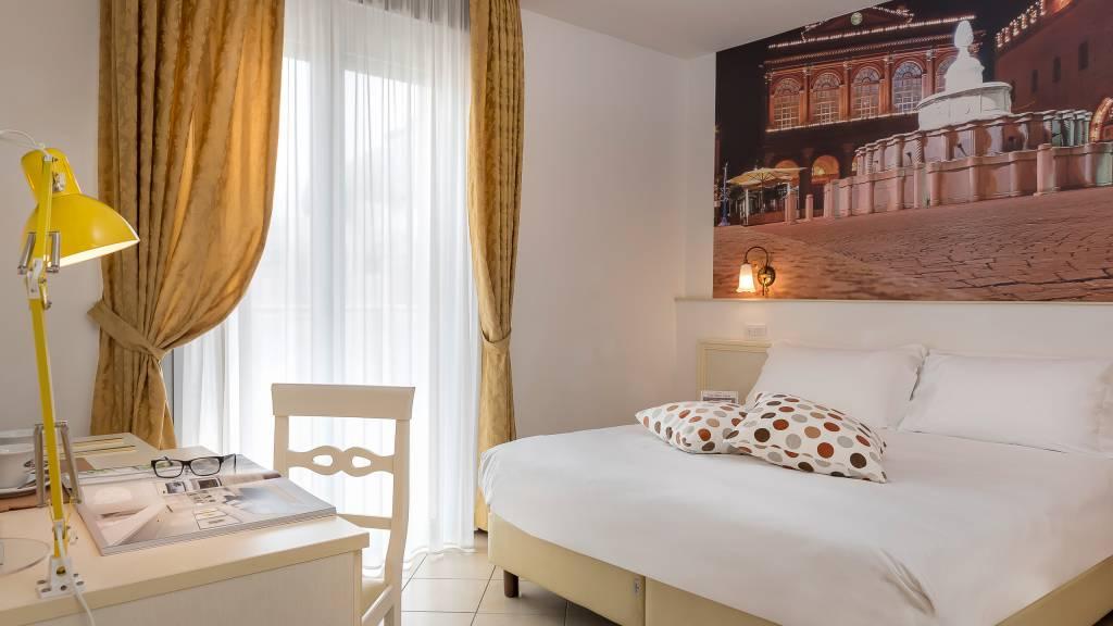 hotel-sovrana-&-spa-rimini-Rooms-1