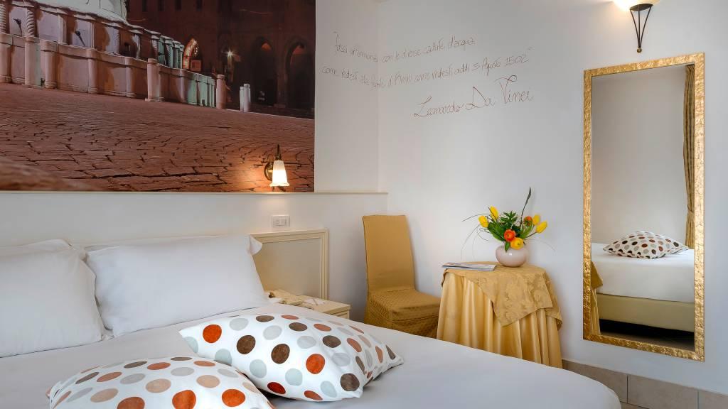 hotel-sovrana-&-spa-rimini-rooms-2