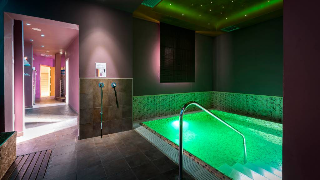 Hotel-Sovrana-Rimini-Re-Aqua-SPA-12
