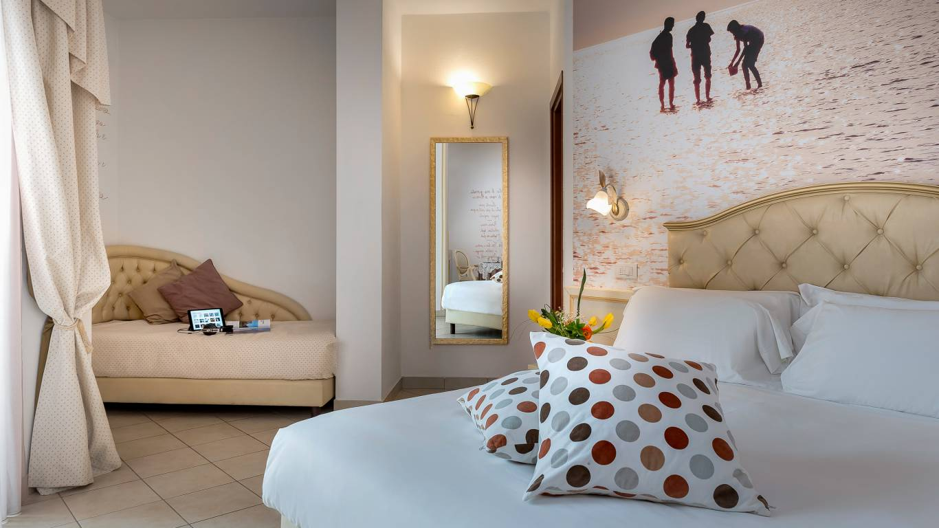 hotel-sovrana-&-spa-rimini-rooms-19-2
