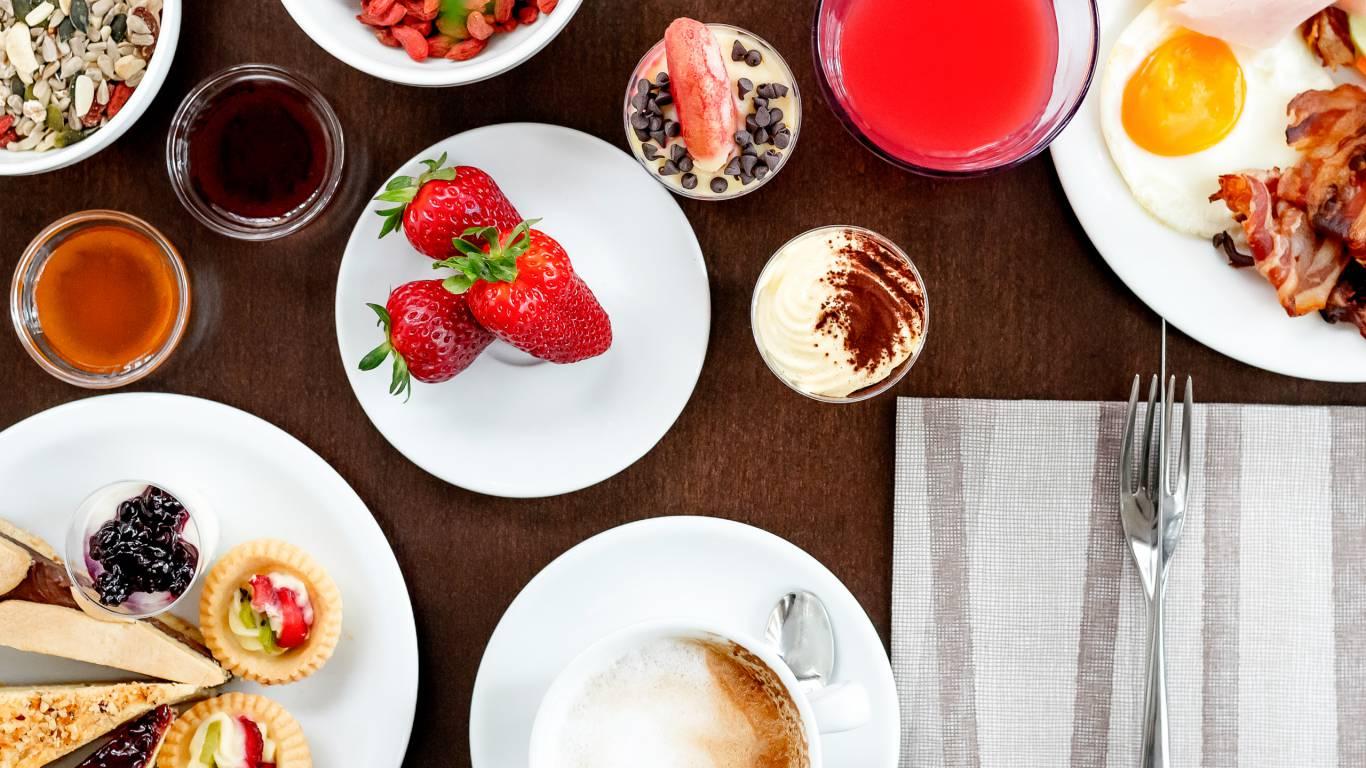 Hotel-Sovrana-Rimini-breakfast-29