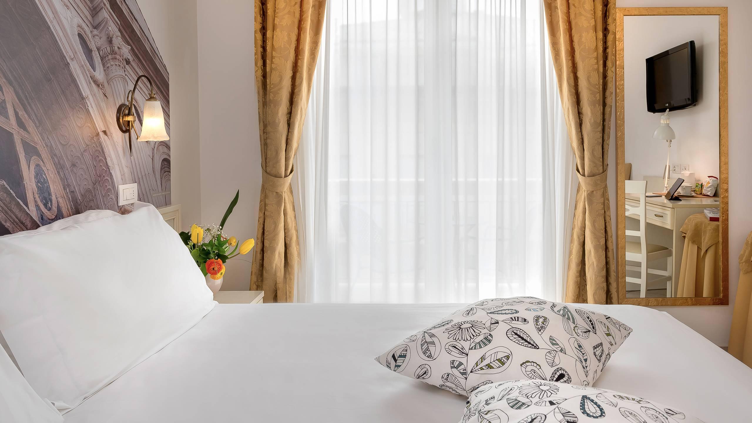 hotel-sovrana-&-spa-rimini-rooms-11