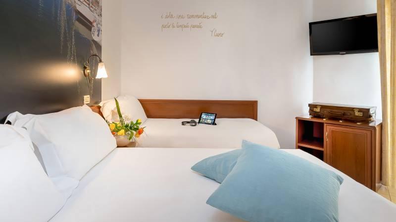 Hotel-Sovrana-Rimini-rooms-33-2
