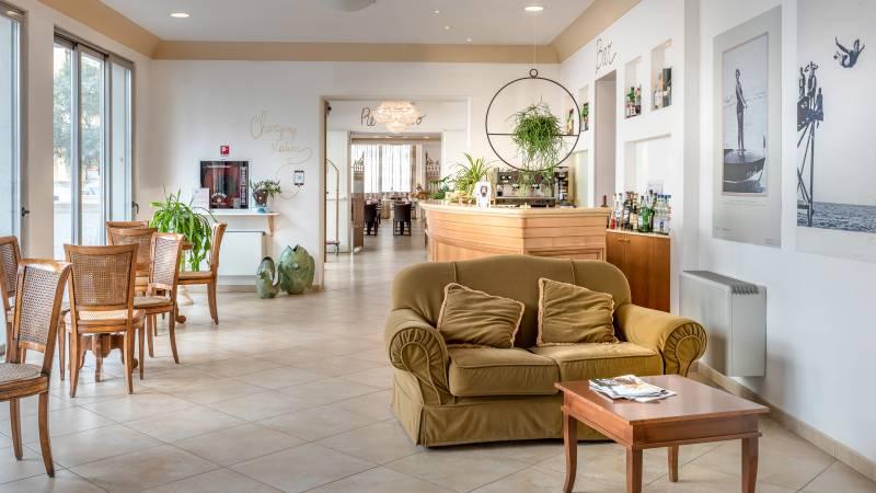 Hotel-Sovrana-Rimini-common-areas-6